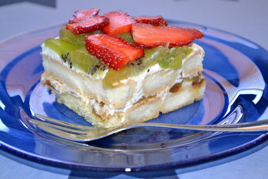плодова торта с цедено мляко