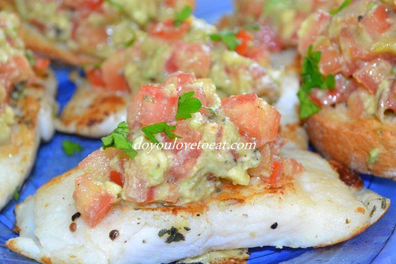 гуакамоле с бяла риба