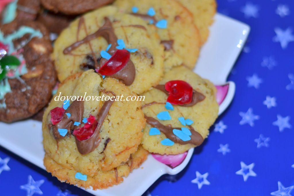 Бисквити със сушени плодове и шоколад