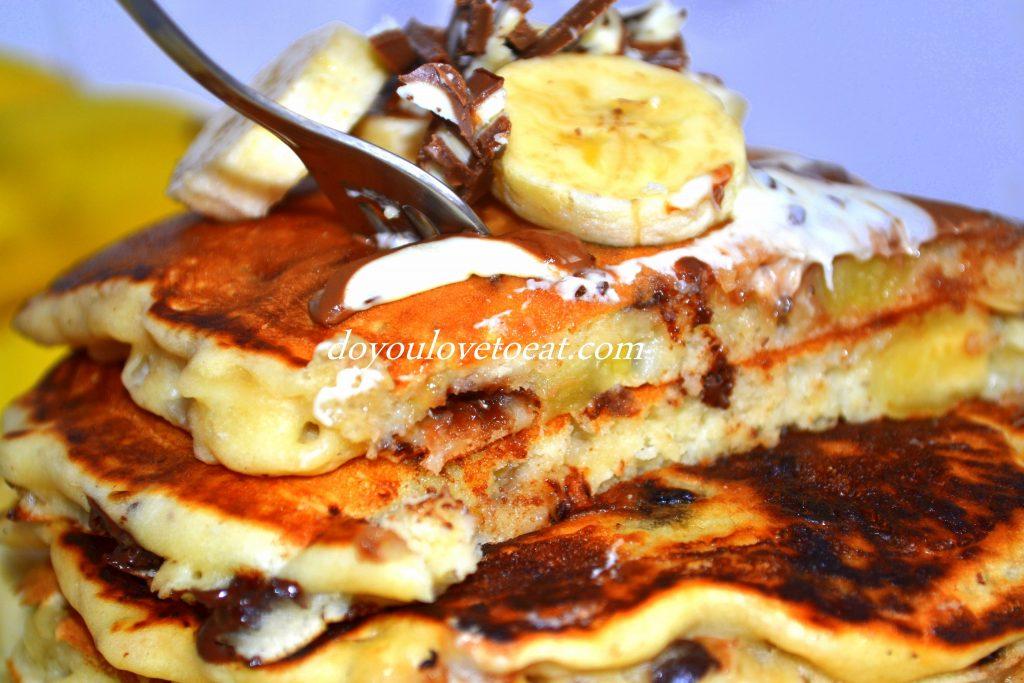 Пухкави палачинки с банан и шоколад