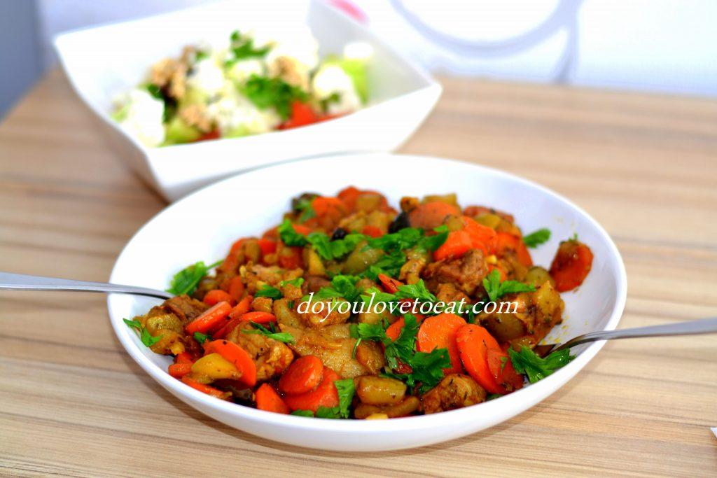 Свински късчета със зеленчуци в сос терияки